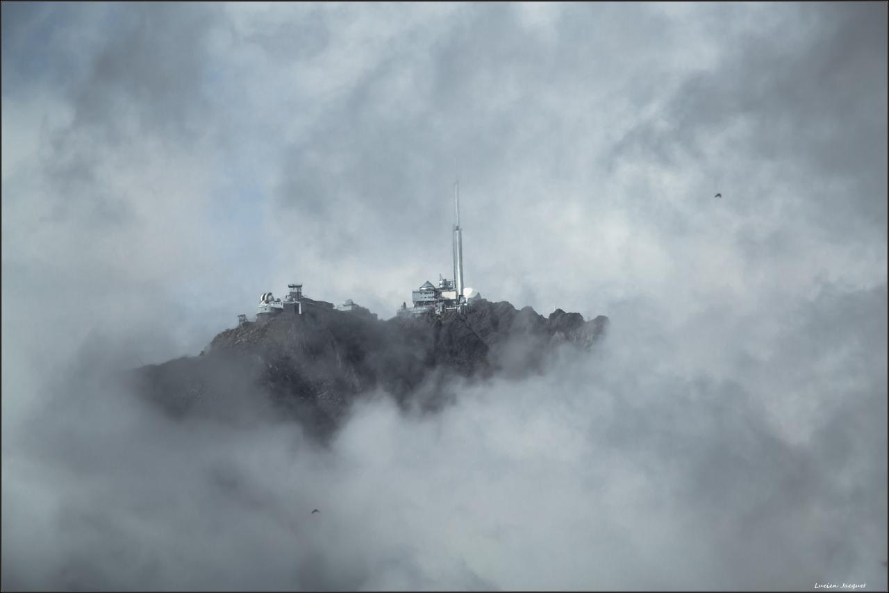 """Trouée sur le""""Pic du midi de Bigorre"""""""