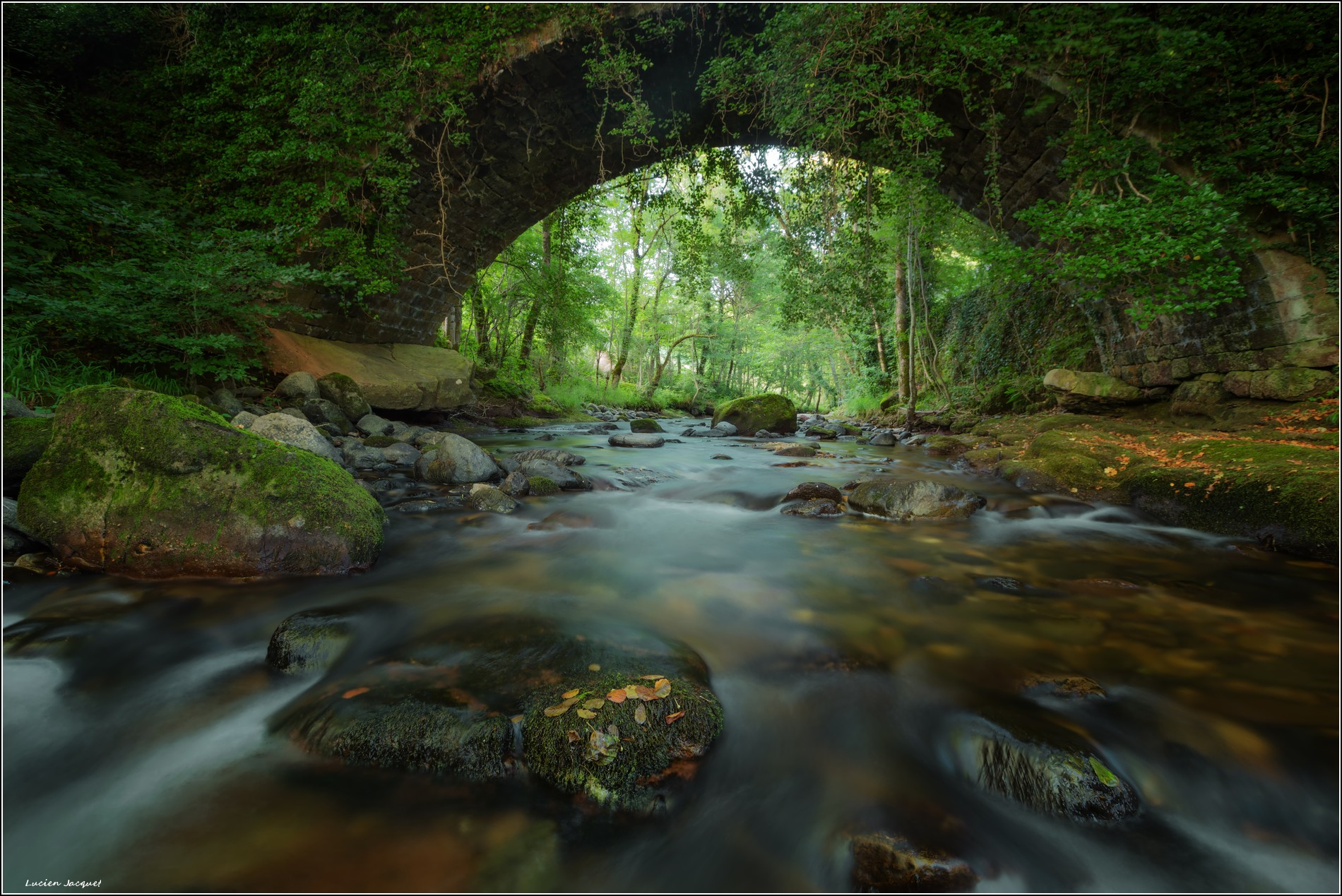 Pont sur le Doulou.