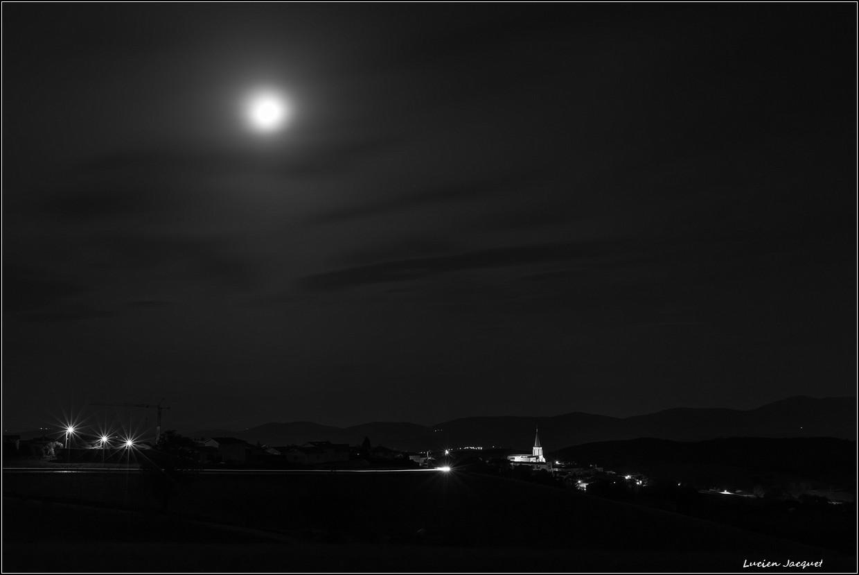 Mon village la nuit
