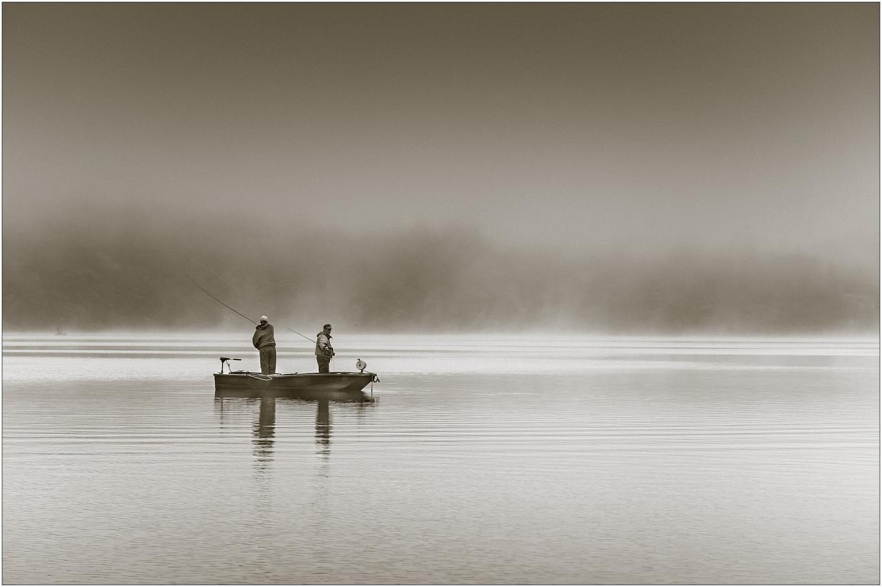Pêcheurs dans le brouillard