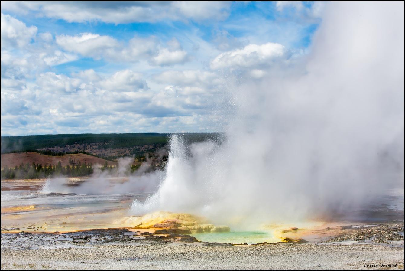 Au milieu des geysers.
