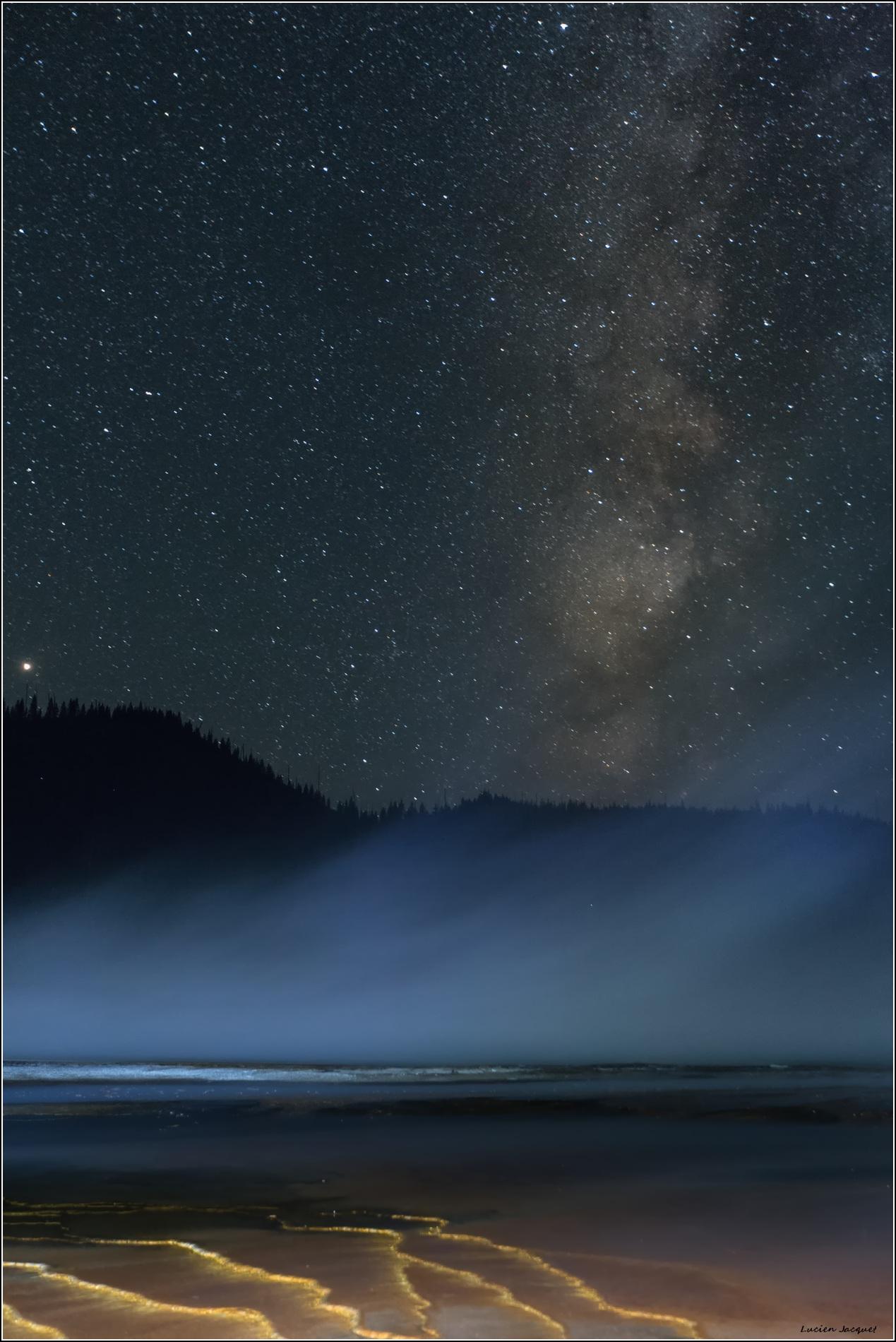 Grand Prismatic sous les étoiles.